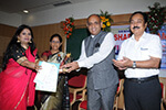 Sri.K.M.Nataraj Senior Counsel & Additional Solicitor General of India, High Court of  Karnataka distributing the prizes to meritorious students.