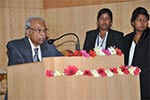 Hon�ble Justice Dr. V. S. Malimat is addressing the gathering during the seminar