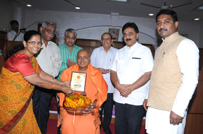 Sri. Swamy Shanthimayananda was felicitated   by the dignitaries